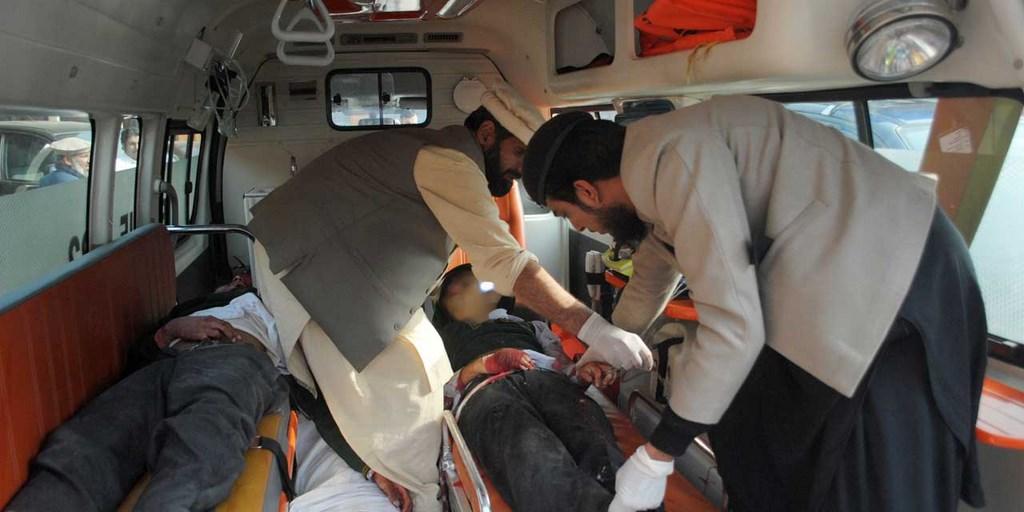Pakistan : massacre dans une école attaquée par les taliban, 141 morts